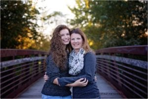 senior-pictures, mother-daughter-portraits, sycamore-illinois, sycamore-high-school
